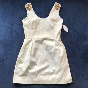 🆕KIRRIBILLA PEARL WHITE DECORATED SHOULDER DRESS